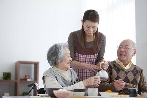 dịch vụ chăm sóc người bệnh chuyên nghiệp